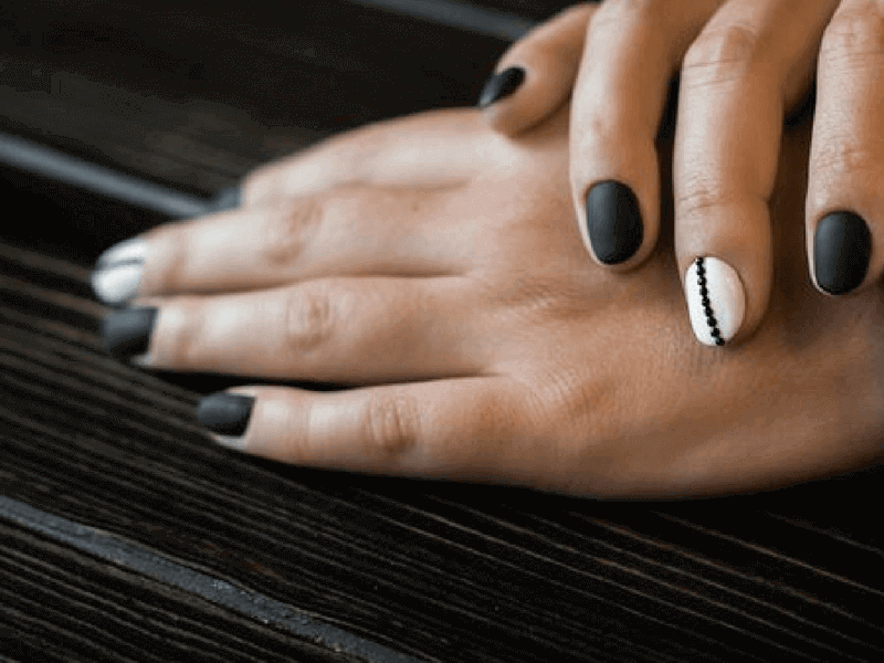 manicura mate negro