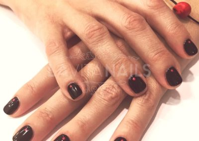 manicura-halloween-negra