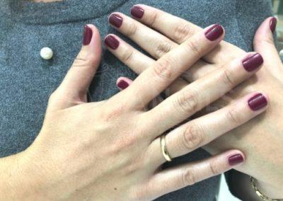 manicura-zaragoza-la-vita-nails-color-vino