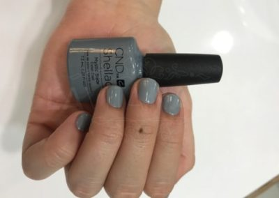 manicura-zaragoza-la-vita-nails-gris-shellac