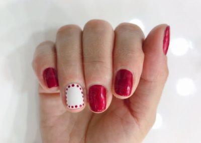 manicura-zaragoza-la-vita-nails-rojo-blanco