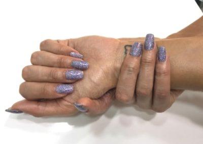 uñas-acrilicas-zaragoza-la-vita-nails-moradas-purpurina