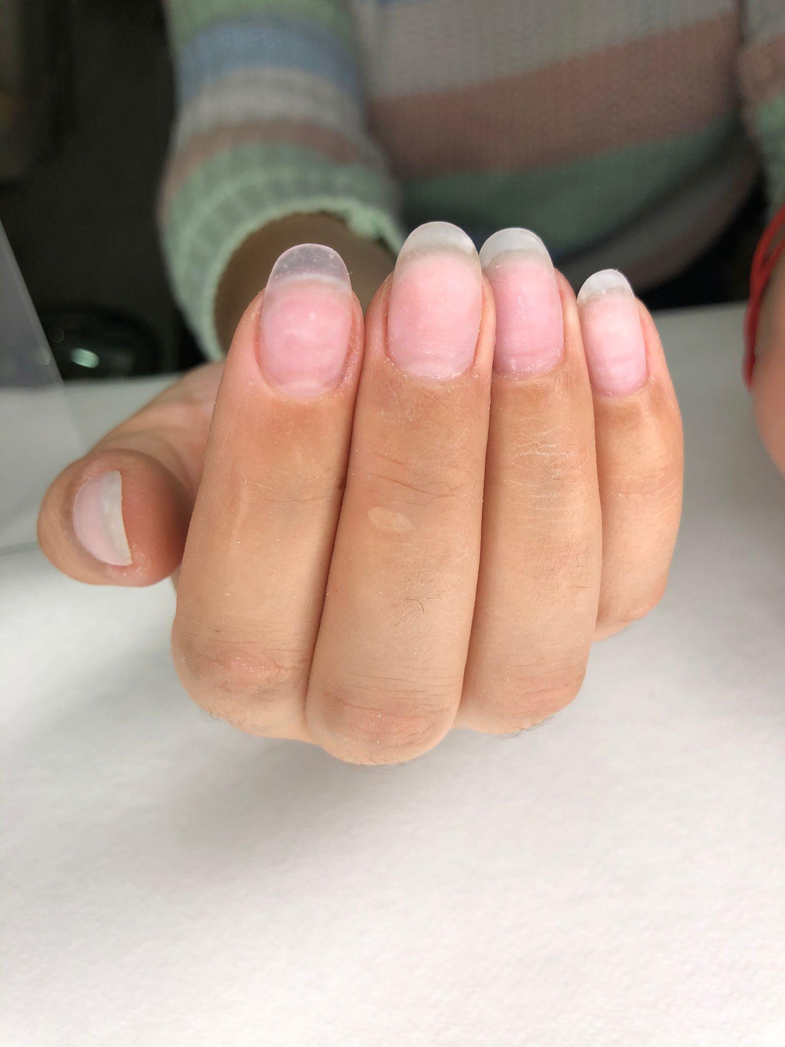 manicura permanente roja